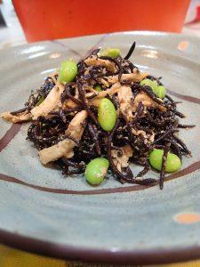 レンジで簡単。デパ地下風・枝豆ひじきと蒸し鳥(ささみ)のサラダ