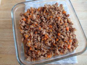 人気の定番常備菜レシピ。玉ねぎにんじんの万能そぼろ