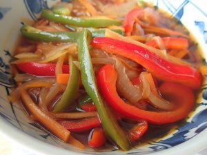日持ちする簡単常備菜。野菜たっぷり南蛮漬けのもと