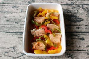 レンジで簡単魚の作り置き常備菜レシピ。鮭の南蛮漬け