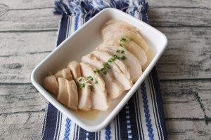 糖質オフ。サラダチキン(鶏ハム)のポリ袋で簡単作り方。再現レシピ。