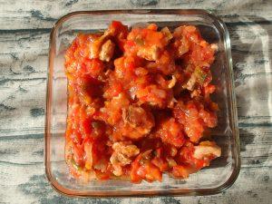簡単お肉の常備菜レシピ。定番チキンのトマト煮