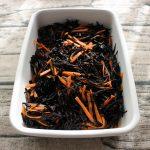 人気のレンジで簡単常備菜レシピ。ひじきの煮もの(煮つけ)