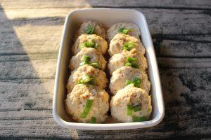 レンジで簡単お弁当の常備菜レシピ。ふわふわマヨポン鶏つくね