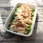 人気の簡単常備菜レシピ。しっとりやわらか蒸し鶏ときゅうりのスイートチリソース