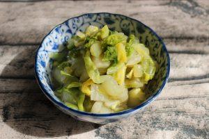 日持ちする常備菜。ゆずこしょう香る白菜の浅漬け