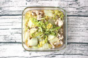 白菜を簡単に大量消費。豚バラ白菜のうましお煮