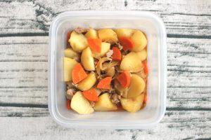 レンジだけでできる作り置き常備菜。そぼろ肉じゃが