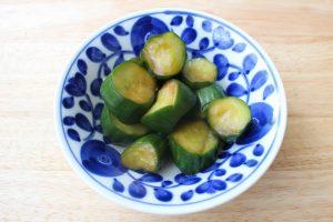 人気の簡単常備菜レシピ。きゅうりのポン酢浅漬け