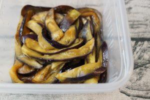 人気のレンジで簡単常備菜レシピ。なすの生姜醤油