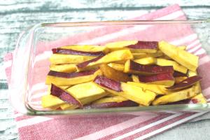 人気のつくりおき常備菜レシピ。レンジで簡単さつまいものきんぴら