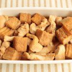 人気の簡単・節約常備菜レシピ。厚揚げと胸肉の甘辛煮物の作り方。
