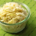 人気のキャベツだけコールスローのレシピ。レンジで簡単常備菜の作り方。