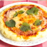人気の超簡単ピザのレシピ。ホットケーキミックスと絹豆腐で発酵なしの作り方。