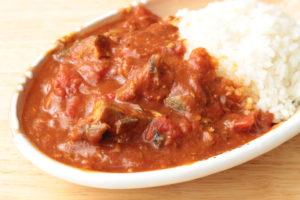 5分で完成!レンジで無水サバ缶トマトカレーのレシピ。