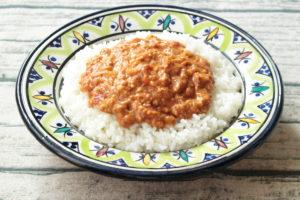 イタリアの太陽の味!無水トマトキーマカレーのレンジで簡単作り方。
