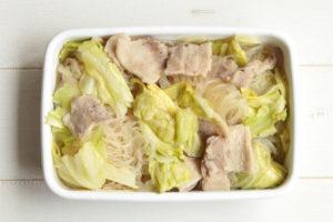 乾燥春雨は戻さずチン!豚バラキャベツの旨塩チャプチェの簡単な作り方。