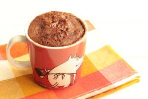 材料2つと水だけ!レンジで作れる濃厚ガトーショコラ風ココア蒸しパンの作り方。マグカップで卵なしの簡単レシピ。