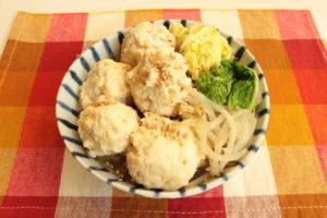糖質ひかえめでお腹いっぱい!ふわふわ鶏だんご塩ちゃんこ鍋のレンジで簡単作り方。