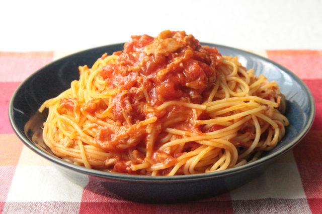 トマト 缶 パスタ ツナ