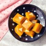 もちもち食感が大人気!かぼちゃチーズ蒸しパンの卵なしレシピ。レンジでホットケーキミックスで簡単作り方。
