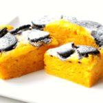 ハロウィンの簡単レシピ!もちもちカボチャとザクザクオレオの蒸しケーキのレンジで簡単作り方。