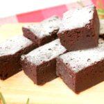 材料5つ!レンジでなめらか濃厚リッチなチョコケーキの簡単作り方。