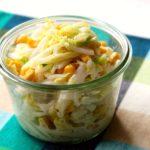 人気の定番作り置きレシピ。白菜とコーンのコールスローの簡単作り方。白菜の大量消費におすすめ!