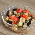 レンジで簡単作り置きレシピ。なすとトマトのだしオリーブあえ